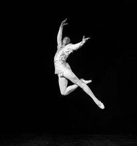 800px-RIAN_archive_672496_Scene_from_ballet_Swan_Lake